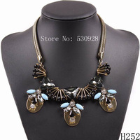 hot sale 2014 fashion new design vintage gold chain crystal pendant statement necklace for women free shipping