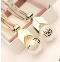 Free Shipping-(Min.Order$20)2014 Lady  Japan/ Korea Harajuku VIV Magazine Arrow Big Pearl Necklace Short chains of Clavicle