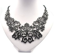European Style Women Vintage Fashion Geometric Plant Design Alloy Short Necklace Black