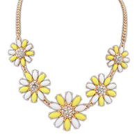 Korean ladies wild daisies clavicle European and American fashion sweet small fresh flower decoration alloy necklace
