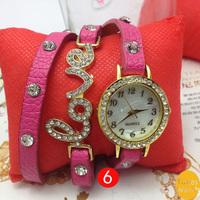 2014 New Arrivals women vintage leather strap watches,Diamond Love Pendant rivet bracelet women dress watches,women wristwatches