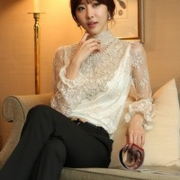 2014 new Spring Korean female women temperament lace collar bottoming shirt long sleeve shirt Slim hand-beaded elegant