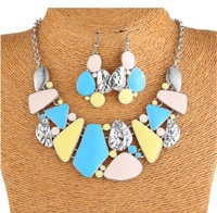 2014 super star  Style  in Europe and America,joker fashion irregularity colorful short necklace set