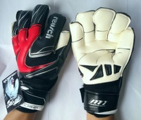 Free shipping New 2014 brazuca soccer ball goalkeeper gloves , Thickened Senior M1 Latex plam Soccer/Football/Goalie Gloves