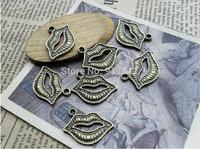 20pcs bronze lips alloy charms bracelet necklace pendant diy decoration cabochon steam punk jewelry accessories