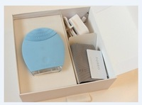 Foreo Luna Facial-Cleansing T-Sonic Brush For Sensitive Skin with  hair brush