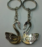New Couple Lovely Swan Keychains Nice Present Zinc Alloy Key Ring For Lover 2 PCS/ Pair  Keyring