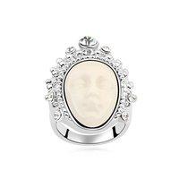Fashionable Austrian Crystal Facebook Pattern Ring - White / Black