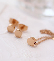 Classic all-match titanium rose gold small beans gold short necklace chain