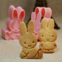 Pink Baking Cookies Mold Rabbit Printing Dessert Creative DIY Moulds Tools 2Sets/8PCS