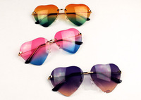 FREE SHIPPING!New Arrival Fashion Woman Loved Sunglasses Gradient lens Shunshine 3 colour good quality