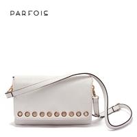 PARFOIS 2014 new metal circle fresh two-color Shoulder Messenger handbag female bag shipping