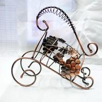 The new European fashion creative senior bronze wrought iron wine rack wine rack wine rack jewelry at home