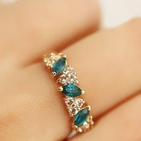 Fashion Vintage Womens Girls Emerald CZ Rhinestone Ring Jewellery Gift Gold Tone