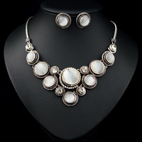 2014 Retro White Simple And Elegant Round Drill Rhinestone Necklace & Earrings For Women