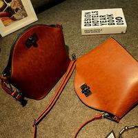 The new retro fashion female bag shoulder bag lock bag