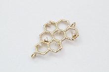 Hot Sale Wholesale 100pcs lot 25x14 4mm Bee hive Honey comb Gold plated brass charm pendant