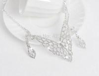 Upscale aesthetic oversized white rhinestone necklace bride wedding jewelry new