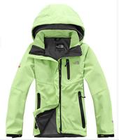 special female models outdoor waterproof soft shell Fleece Jackets mountaineering