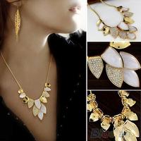 Women's Shiny Leaf Design Fashion Rhinestone Choker Chunky Chain Short Necklace  03FI