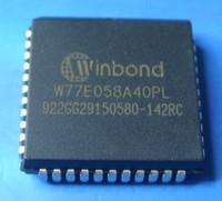 W77C032A40PL 256 + 1K SRAM 8 Bit MCU PLCC-44 package