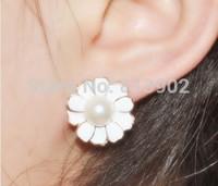 4pcs/lot Han edition stud earrings Pure and fresh and joker pearl flowers stud earrings