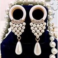 2014 New fashion women accessories earrings white pearl royal gem luxurious pearl earrings for women Free shipping