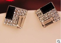 Free Shipping New Fashion Sweet Lovely Black and white square stud earrings For woman 5pcs/lot