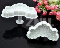 2Pcs Fondant V-form Love Flower Lace Printing Cake Cutter Mold