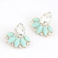 Elegant Fashion Resin Stone Leaf Stud Earring For Lady