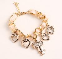 Amazing Fashion Jewelry Owl Bracelet with Small Hearts