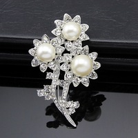 Smart Brooches Crystal Popular Crown Brooch Favorite Brooch Pin Best Pearl Brooch For Woman XZDR00022