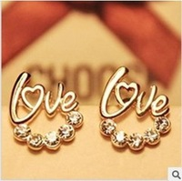 Ruili fashion quality, and the golden letters LOVE earrings