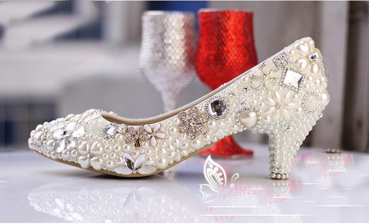 2014 Luxurious Elegant Imitation Pearl Wedding Dress Shoes Ecru White Bridal Shoes Crystal diamond 5cm low-heeled shoes(China (Mainland))