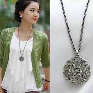 x101 2015 Retro fashion bohemian jewelry pendant necklace hollow female pattern sweater chain black