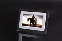 Free shipping ! 7inch  800*480RGB digital photo frame with 2GB SD Card  support JPEG photo  porta retrato digital