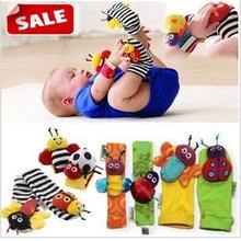 abcd bebé calcetín sonajero juguetes del bebé jardín de errores muñeca sonajero y los pies calcetines 4 piezas/montón(China (Mainland))