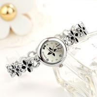 Watch Woman Flower Relogio Women Lady's Casual Fashion Design Flower Diamond Bracelet Watches Time Quartz Wristwatches