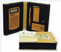 2014 hot sale Bamboo USB Hub Mouse Pen Kit and Solar Digital Calculator