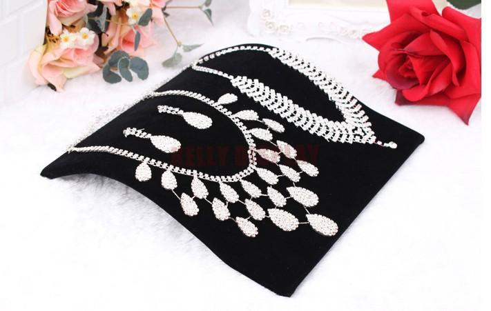 Cheap Jewelry Gift Display Organizer Holder Supplier,4pcs 20*19*3.5cm Black Velvet Jewelry Necklace Bracelet Display Show Rack(China (Mainland))