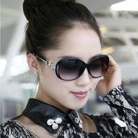 Free shipping Vogue Fashion Glasses Vintage Sunglasses Women Brand Designer Luxury Gafas Oculos De Sol Feminino Women Original