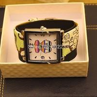 2014 new Fashion Bear PU leather strap watch for women dress watches quartz watch casual wristwatch