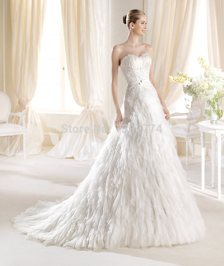 Free Shipping!Newest Design Graceful Bridal Dress Sweetheart Strapless Tulle Feathers Wedding Dresses(China (Mainland))