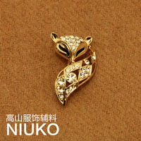 new 2014 Delicate temperament fox brooch(freeshipping)