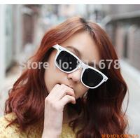 Europe and the United States aura retro rivet ultra black sun glasses sunglasses sunglasses