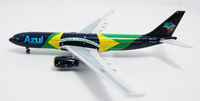 Free Shipping!1:400 Aeroclassics Brazil Azul airline A330 model model airline souvenir gift aeroplane model