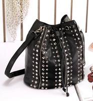 Women's Punk Rivet Crossbody Shoulder Bags Handbags Famous Brand Designer PU Leather Messenger Bag Bolsa Feminina