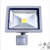 free shipping sepcial offer 1pcs led sensor flood light 20W White led outdoor PIR Motion Sense lamp waterproof floodlightpping