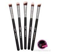 Happy Easy Buy-- PRECISION KIT 5 BRUSHES-- 5  BRUSH KIT-- Travel brush kit