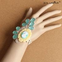 Min.order $15 Pulseira Japan And South Korea Export Wristband Bracelet Retro Fashion Beauty Head Wrist Jewelry Factory Ws-318